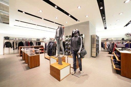 שיפוץ חנות בגדים