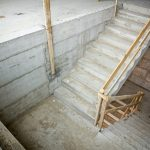 שיפוץ מדרגות בבניין