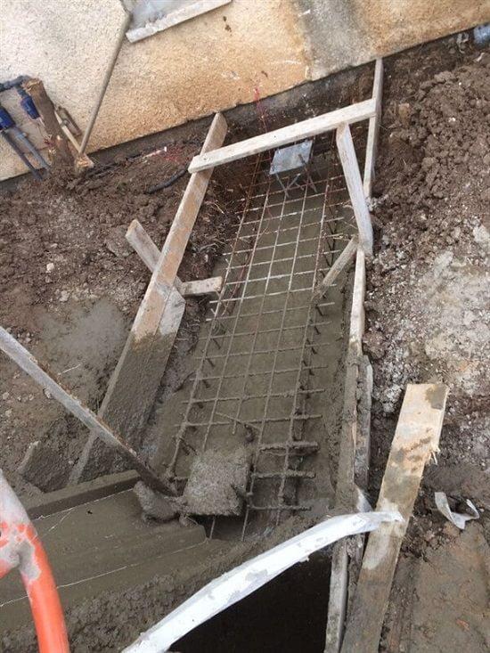 יציקת משטח בטון בחצר
