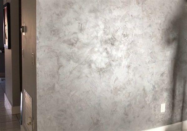 שליכט צבעוני בצבע אפור בתוך הבית
