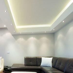 צבע לתקרה בסלון