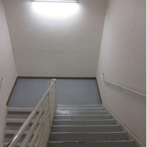 חידוש חדר מדרגות בבניין