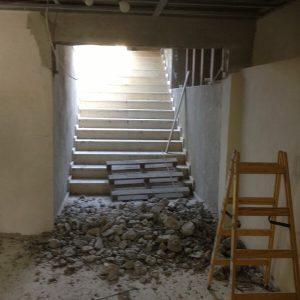כניסה למרתף