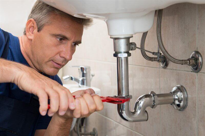 תיקון נזילה בחדר אמבטיה ע
