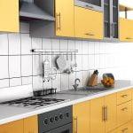 חיפוי קיר למטבח צהוב