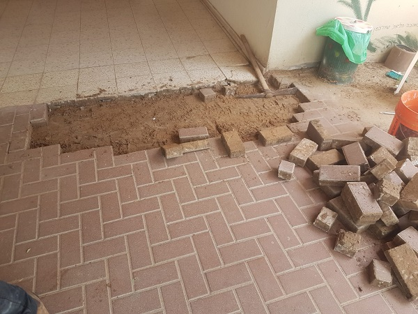 Interlocking stone flooring