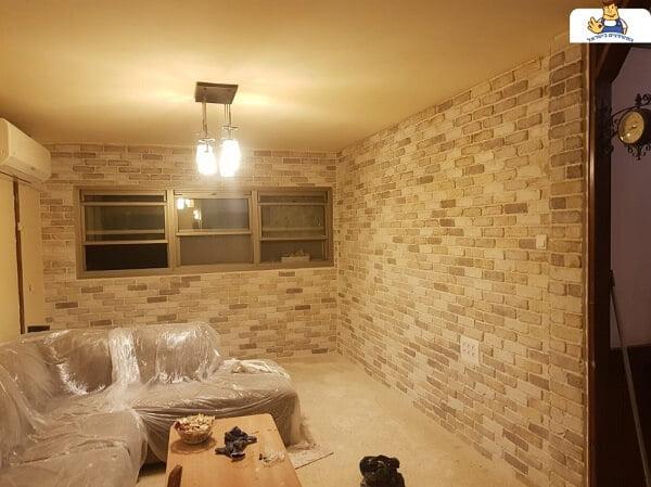 קיר בריקים מודרני